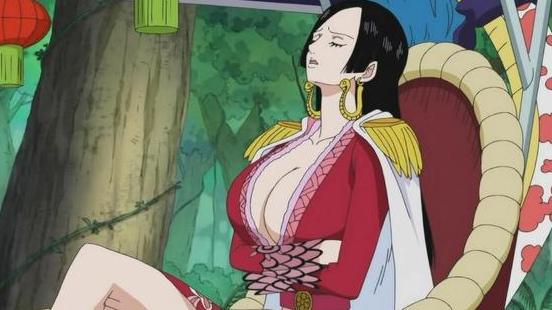 《海贼王》七武海女帝汉克库打一个小喽_都这么费力的原因是什么?