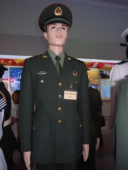 陆军军官短袖夏常服_07式军装 请问中国海军列兵到士官有没有常服 和提供图片一样的 ...