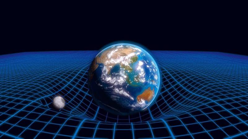 如果质量会弯曲时空,当质量消失时,时空又如何恢复平坦?