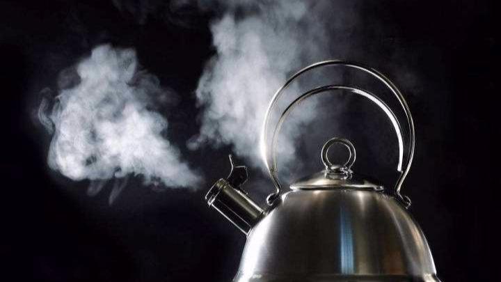 """""""多喝热水""""可能增加致癌风险?"""