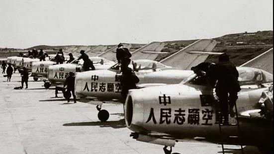 """一场中国空军""""吃亏""""的战斗,为何让美国沮丧,苏联拼命争功?"""