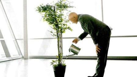 人如果一直不退休?世界进入延时退休时代的头图