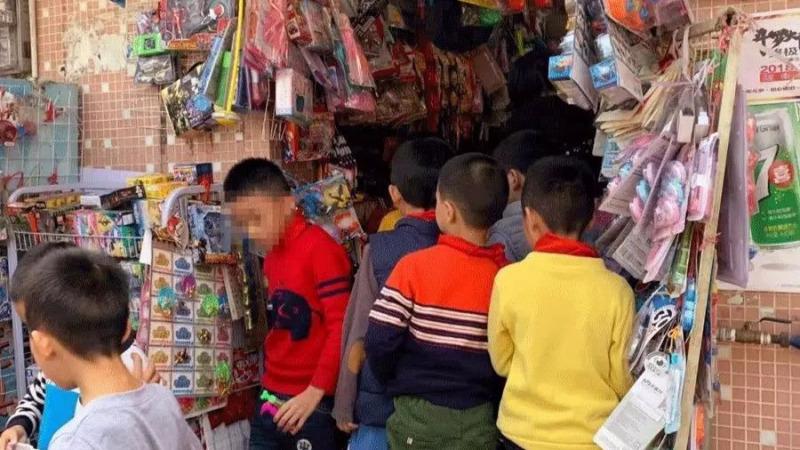 """""""仅花5毛钱,7岁女孩性早熟"""":多少孩子正在被毒害"""