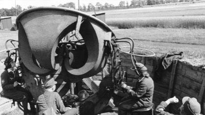 军官的床垫?士兵的鞭笞?纳粹德国女性辅助从军作战史