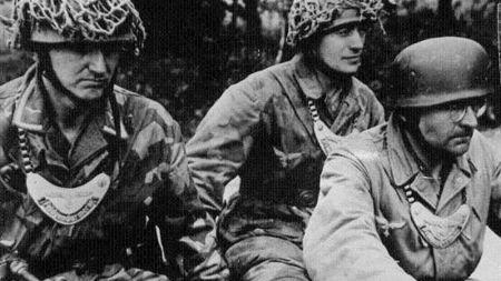 """还记得《虎口脱险》里的""""狗牌""""吗?趣谈二战德军最怕的""""链狗"""""""