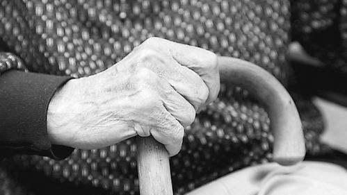 人为什么会衰老呢?