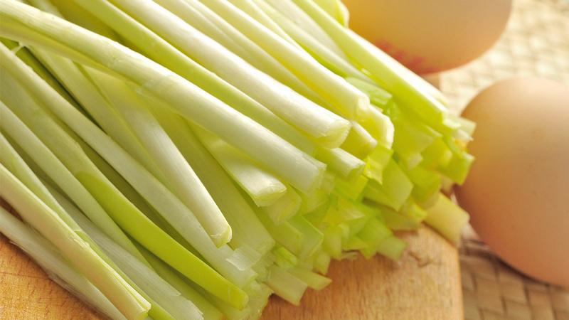 韭菜和韭黄:同是一家人,为啥大不同?