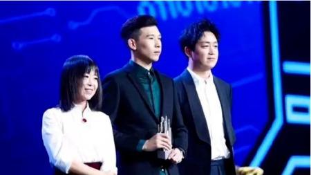 天佑再获跨界艺人大奖,和范冰冰同台人气飙升直逼一线明星!