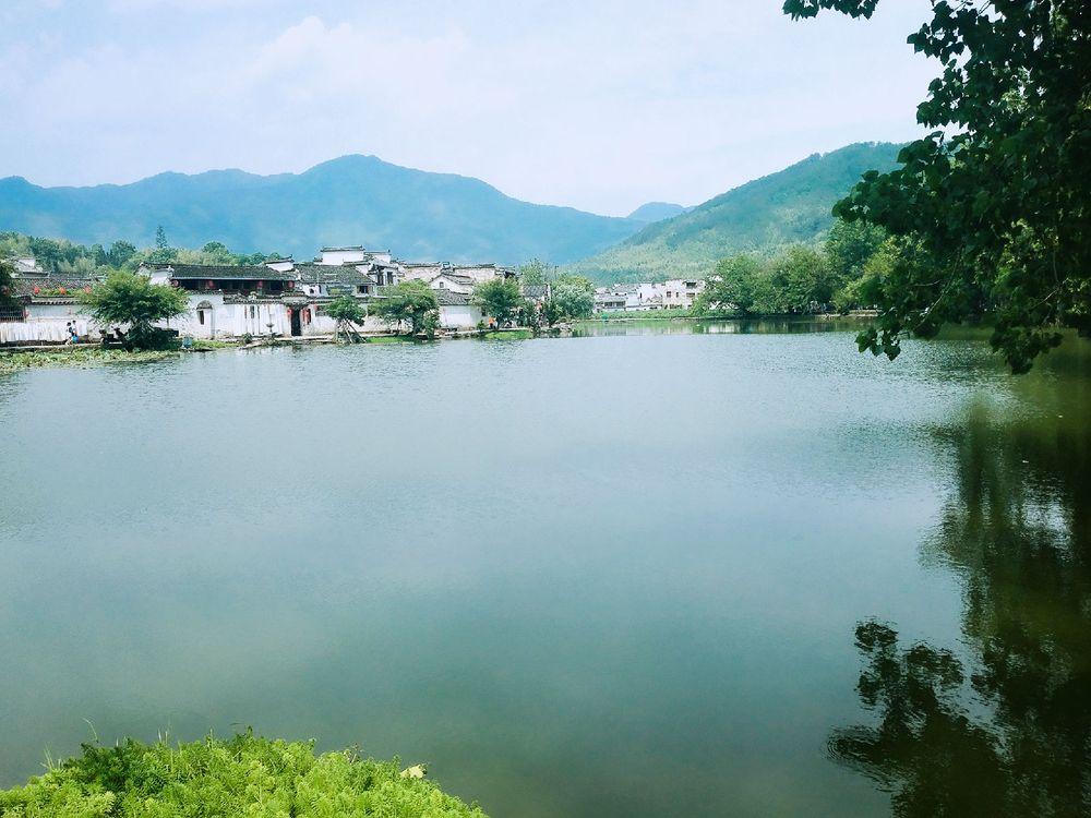 青山绿水,风景秀丽.图片