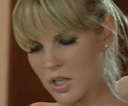 欧美女佣做爱视频_有一部国外电影 是两个男的在做爱 然后女的