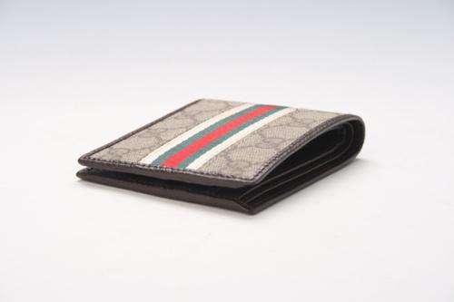 纪梵希和杜嘉班纳的钱包哪个质量好些?LV和G