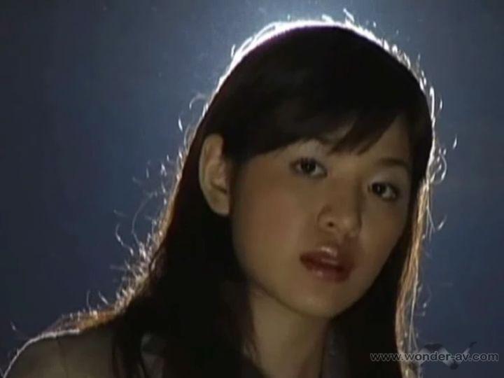 香山圣写真_请问她叫什么名字?日本的,你懂得