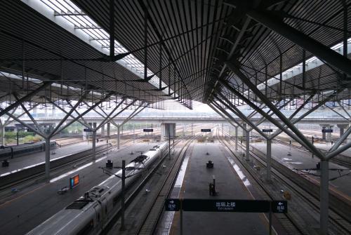 深圳北站换乘图_做动车到深圳北站,怎样换乘高铁_百度知道