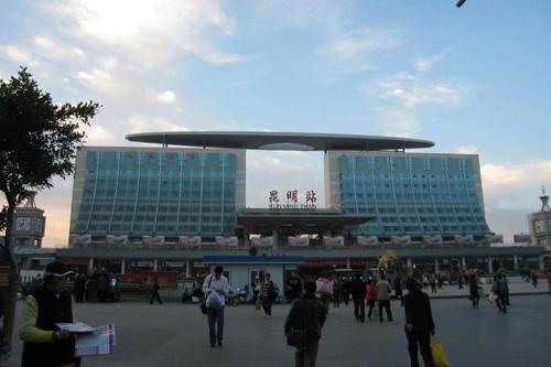 云南昆明火车站尸体_从昆明火车站到昆明高铁站有几个站呢_百度知道