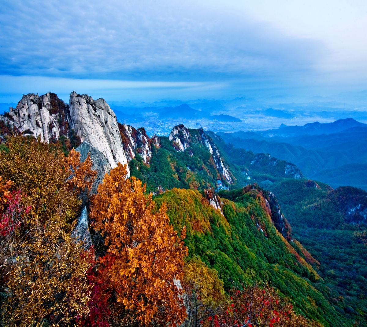 桃源仙谷自然風景區需要爬山嗎?(有老人)謝謝了