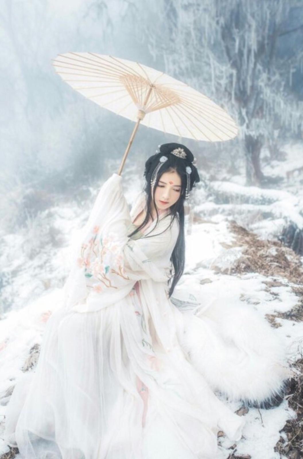 女主是最古老的神 女主是天道血脉到现代