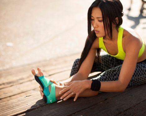 上瑜伽课手脚总是出汗打滑怎么办呢?
