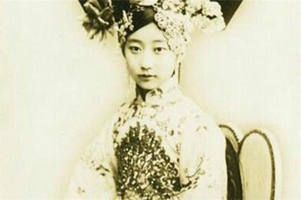 晚年的溥仪为什么拒绝晚晚清最美格格王敏彤的追求?