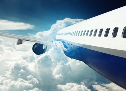 坐飞机可以化妆品吗_现在坐飞机还是不能带化妆品么?必须得托运?_百度知道