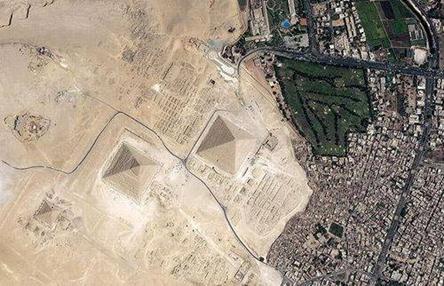 科�W家推�y金字塔是地球��]有人��r,外星人�淼�...