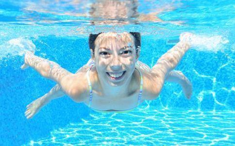 初学游泳的技巧是什么?