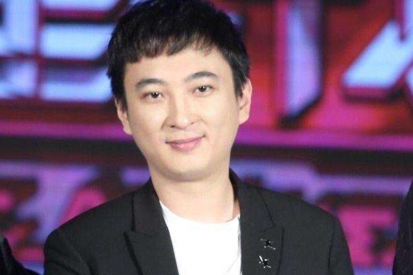 """名宇娱乐:号称娱乐圈纪检委""""的王思聪艳遇不断他都在哪些花丛""""中流连过呢?"""