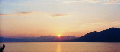 太平湖附近有什么好玩的地方?