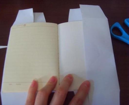 纸包书皮的方法图解_漂亮独特包书皮的方法图解_百度知道