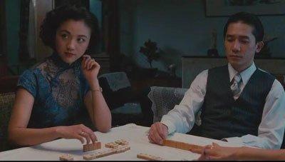 《色戒》里易先生跟王佳芝到底是怎样一种感情?