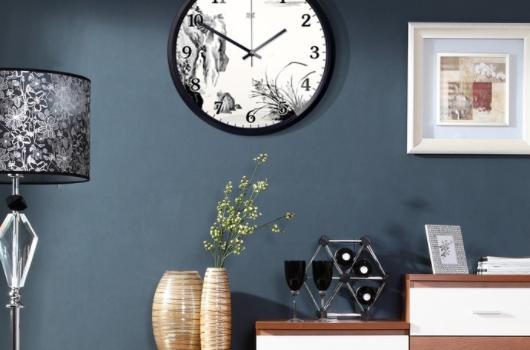 钟挂在家里哪个位置好?
