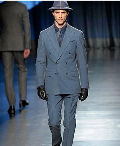 藏青色的西藏配什么领带_男生如何穿着搭配(最好带图)_百度知道