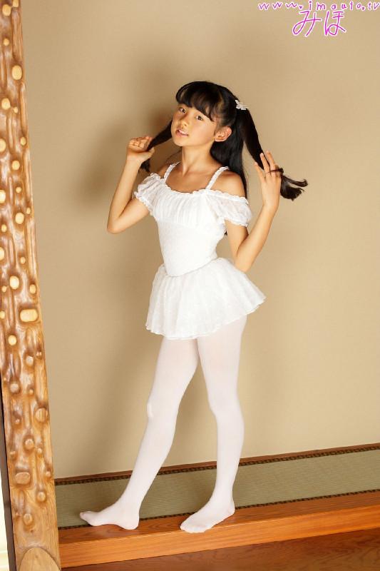 小女孩白色裤袜_哪里有小女孩穿白色连裤袜的图片?相册也行_百度知道