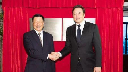 特斯拉签署上海建厂协议,新能源汽车竞争白热化?的头图