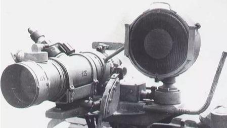 """二战德国""""黑科技"""":这个离车必毁的小东西比虎王坦克还强大"""