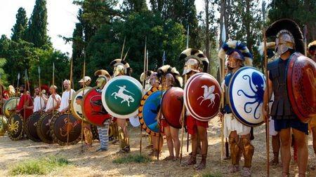 """从""""步兵方阵""""看希腊民主有什么不同?"""