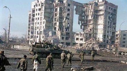 在格罗兹尼的霜雪与泥泞里战斗:第一次车臣战争里的俄军群像