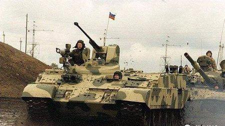 因为在车臣被打得太惨而诞生!俄国首款重型步战车BTR-T简介