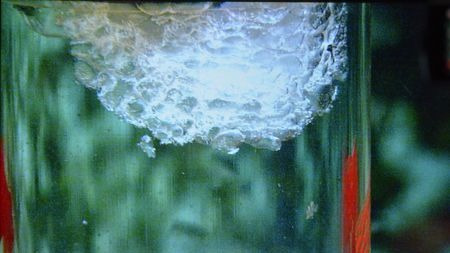 可燃冰试开采6周!可燃冰到底是不是冰?的头图