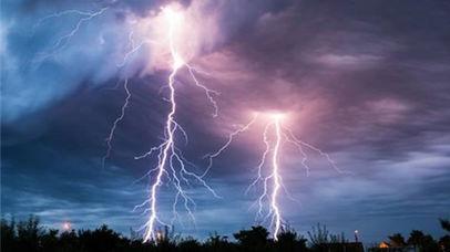 人体被闪电击中时会发生什么?的头图