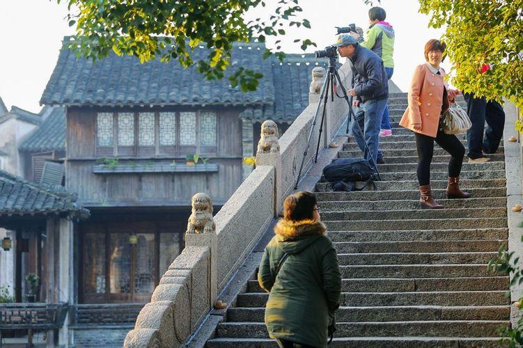 你站在橋上看風景,看風景的人在樓上看你.
