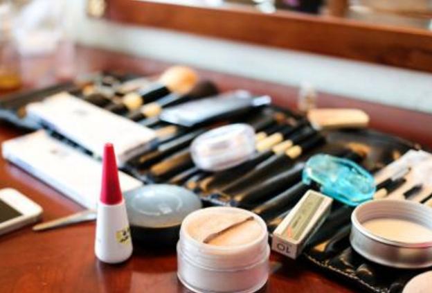 化妆都需要哪些东西_化妆品都有哪些东西_百度知道