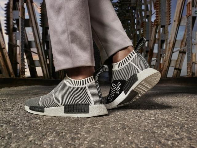 sports shoes 7732d 4ce53 Adidas city sock这款鞋上的S79150怎么有黑字还有白字的啊?哪款 ...