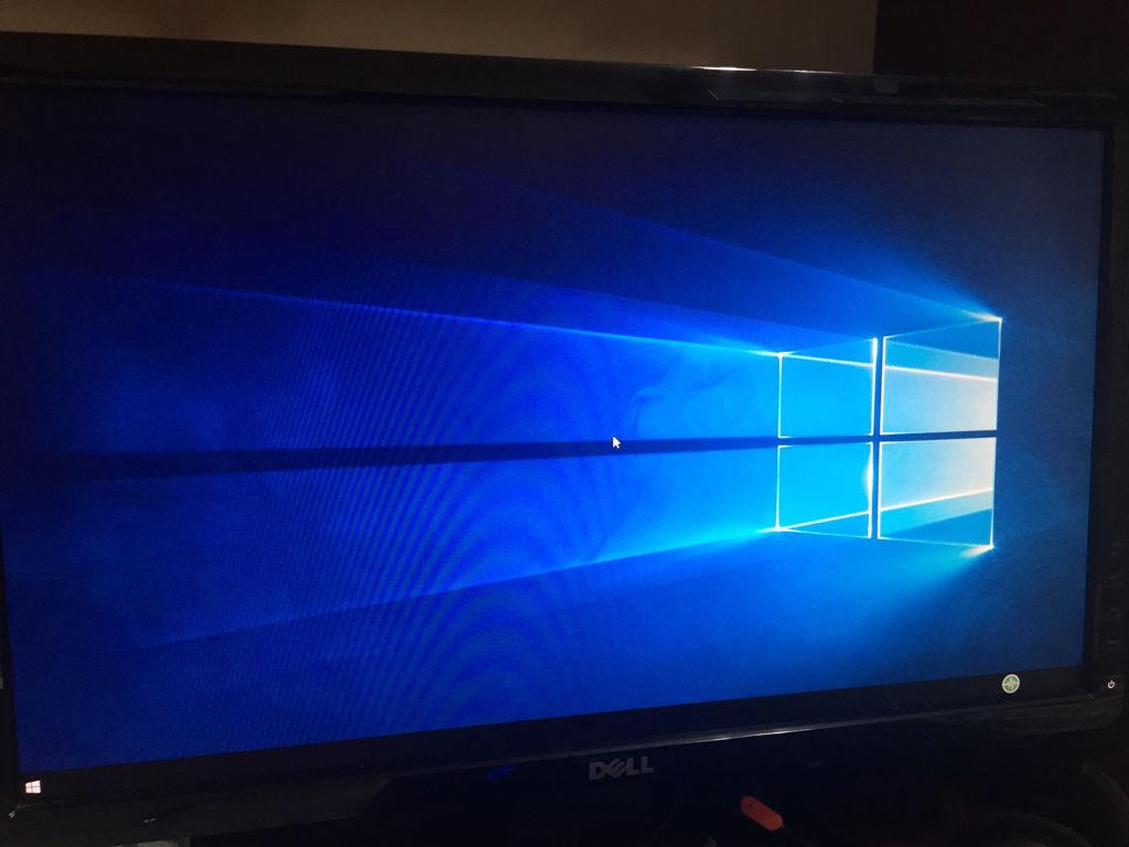 win10电脑开机没有图标,什么都动不了图片
