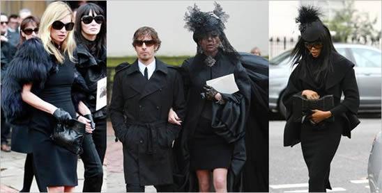 葬礼着装_参加葬礼要穿白衣服还是黑衣服啊_百度知道