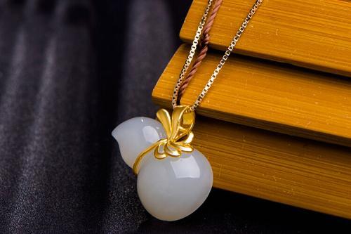 周六福珠宝做活动送黄金苹果吊坠,货到付款,我