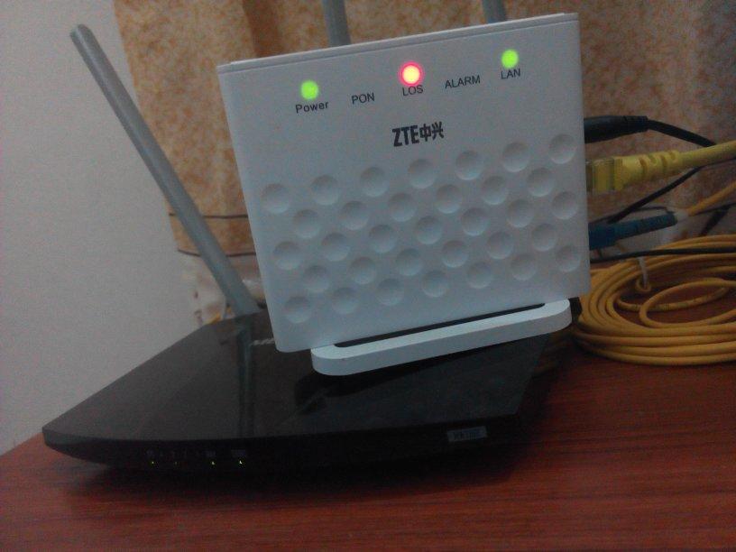 宽带的线头是大头_电脑上不了网,我看网速慢,就拔了一下网线,然后我在插进去 ...