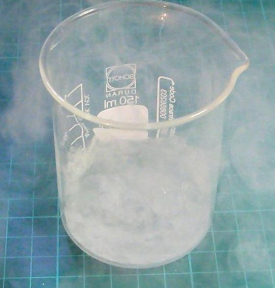 液氮什么原理_液氮冷冻后结痂图片