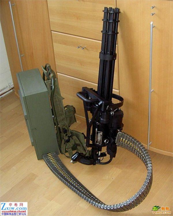 加特林多管机关炮_加特林这系列的机枪 子弹夹有多大? 给一个大概的尺寸 而且 ...