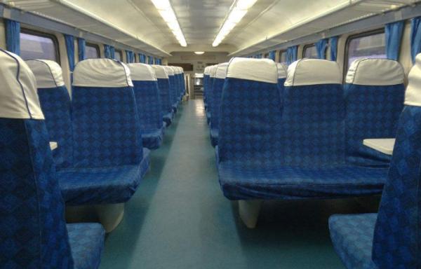 火车座位硬卧代硬座_火车的软座硬座什么区别?_百度知道