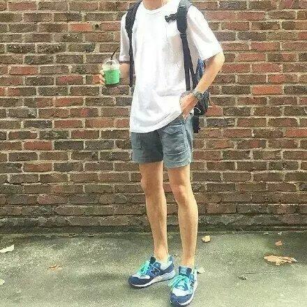 男生夏季搭配2013_2016男生夏季衣服的搭配,最好有图片,多一点_百度知道